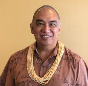 Kumu Hula Chinky Māhoe(チンキー・マホエ)
